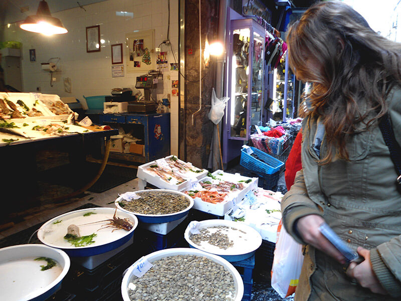 Mercato di Porta Nolana, Naples