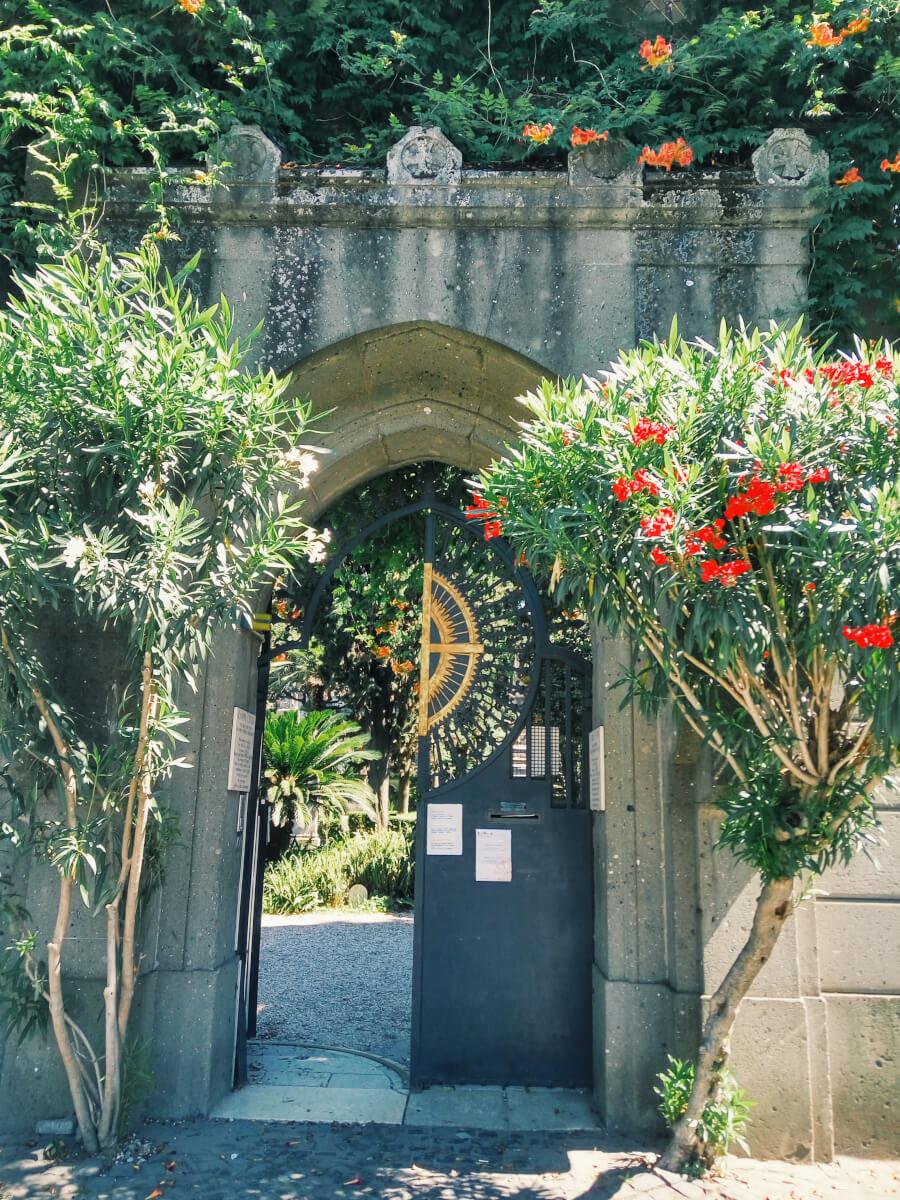 Rome's Non-Catholic Cemetery entrance