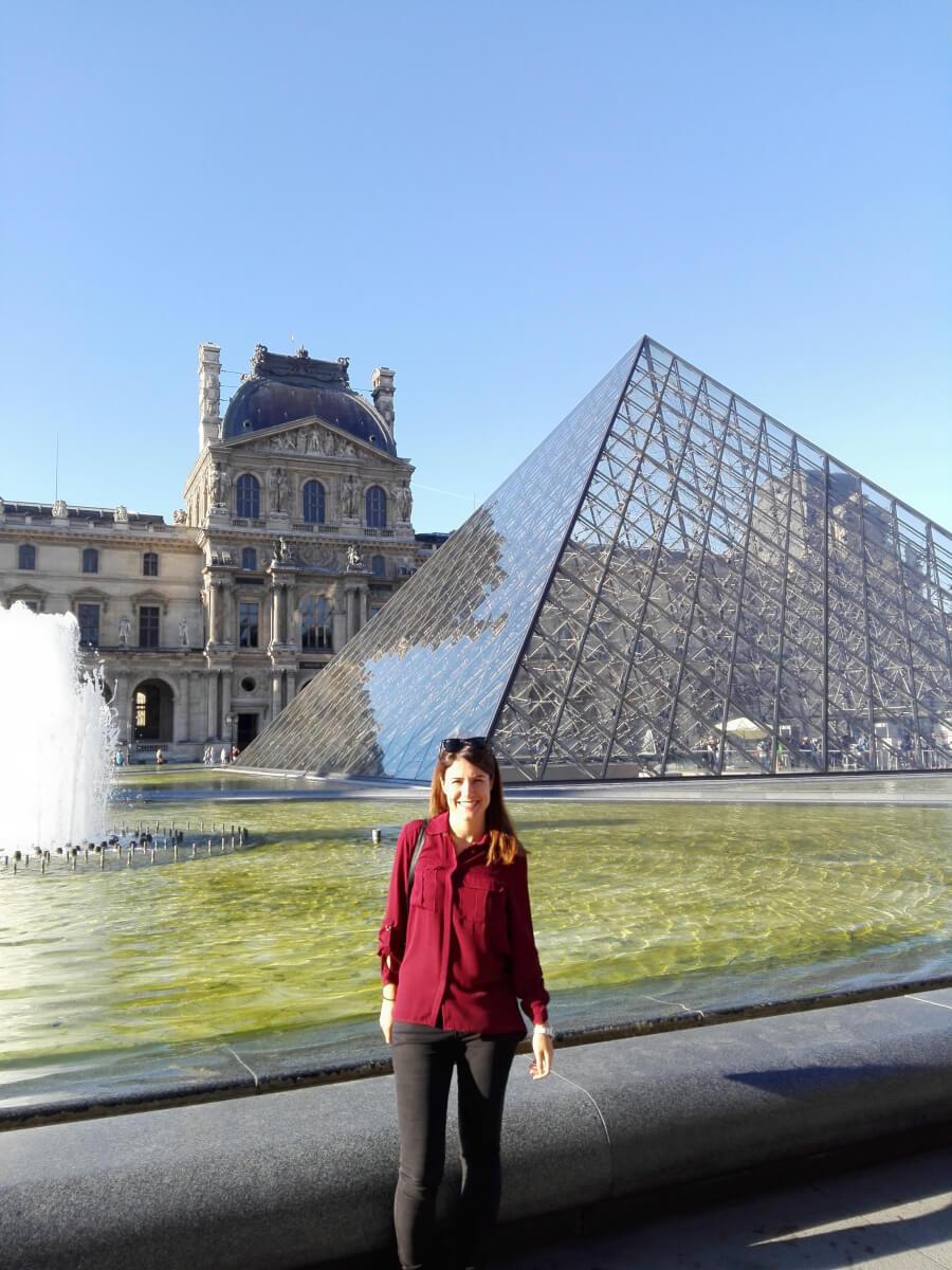 pyramid louvre