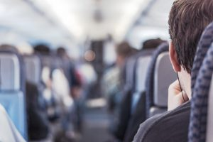 Wi-Fi ιντερνετ στο αεροπλανο: ποσο κοστιζει και ποιες εταιριες το προσφερουν