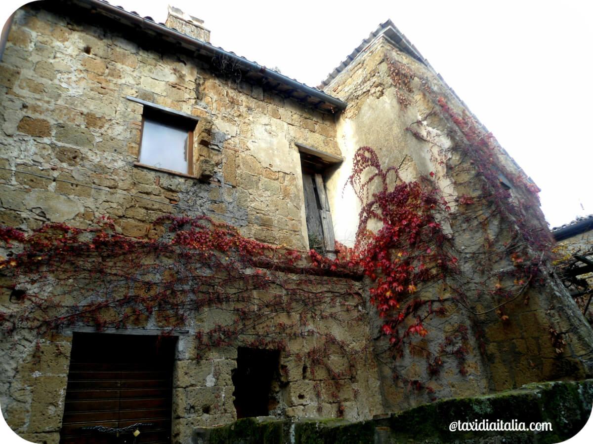 civita_di_bagnoregio_inside