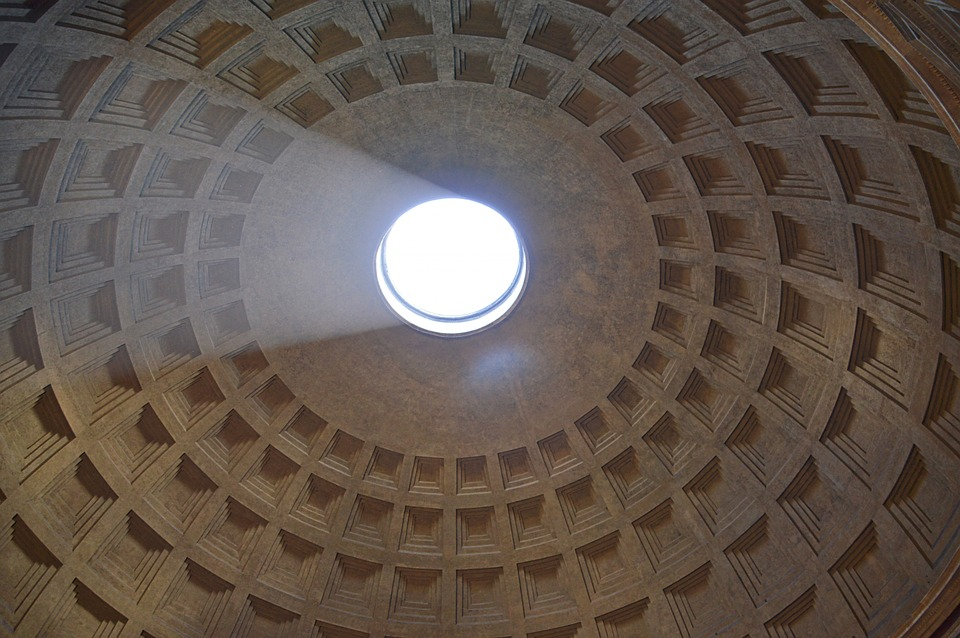 Pantheon, Romi