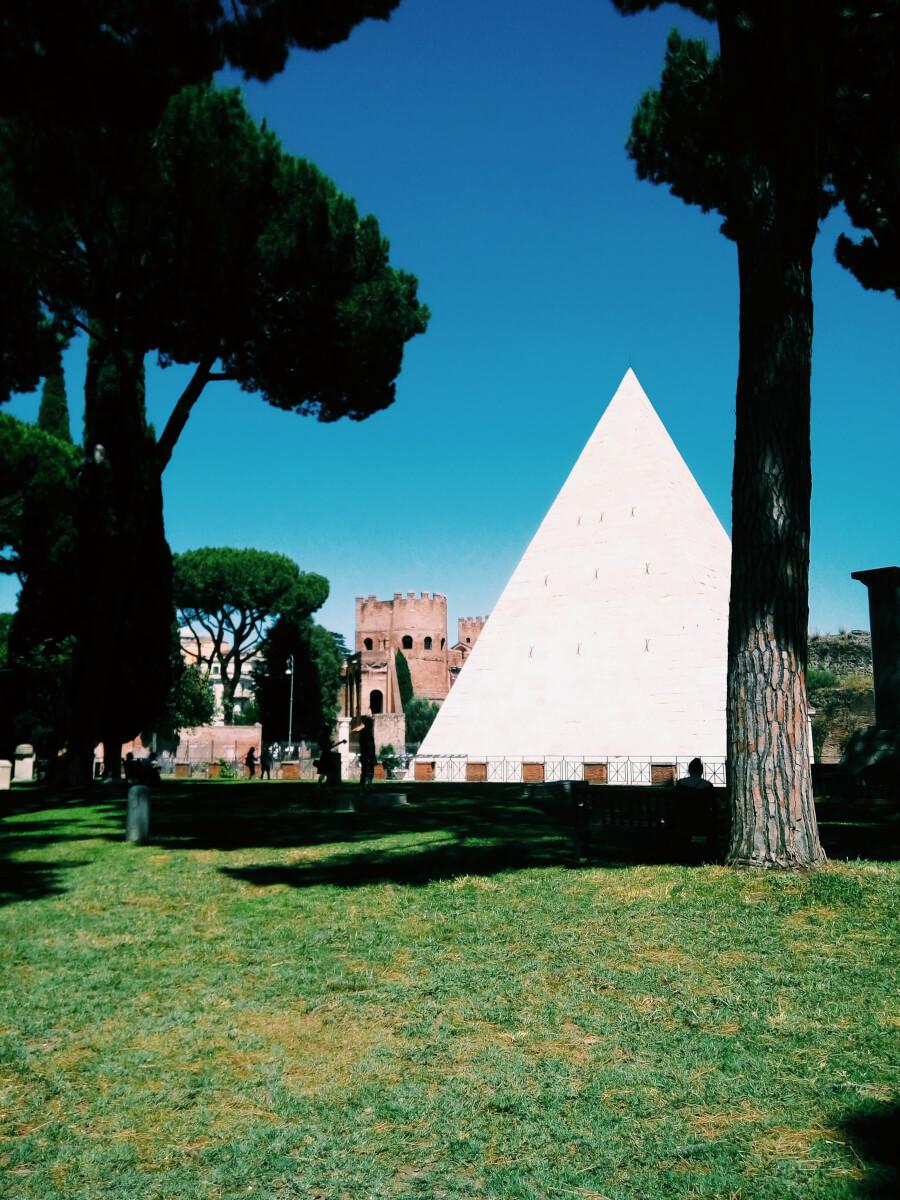 Rome Piramide Cestia