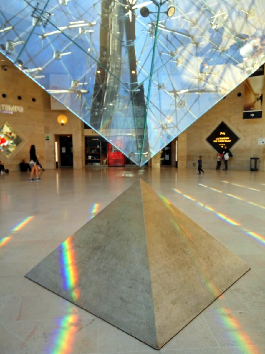 louvre inverted pyramid
