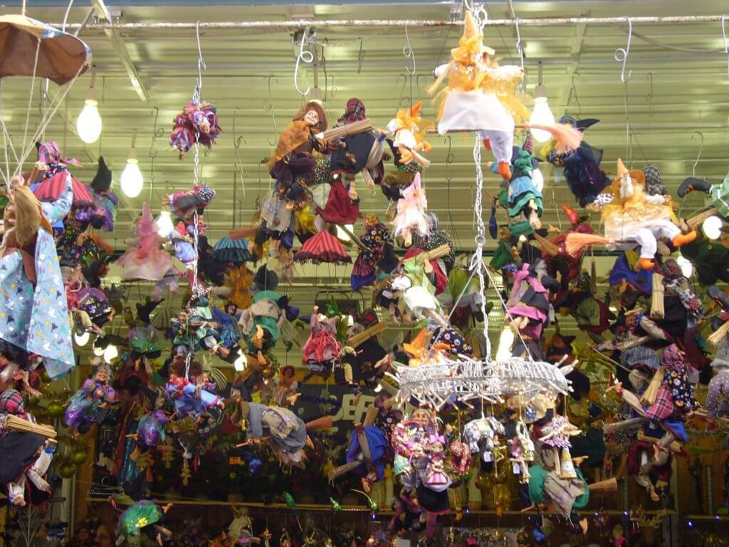Befana dolls in Piazza Navona