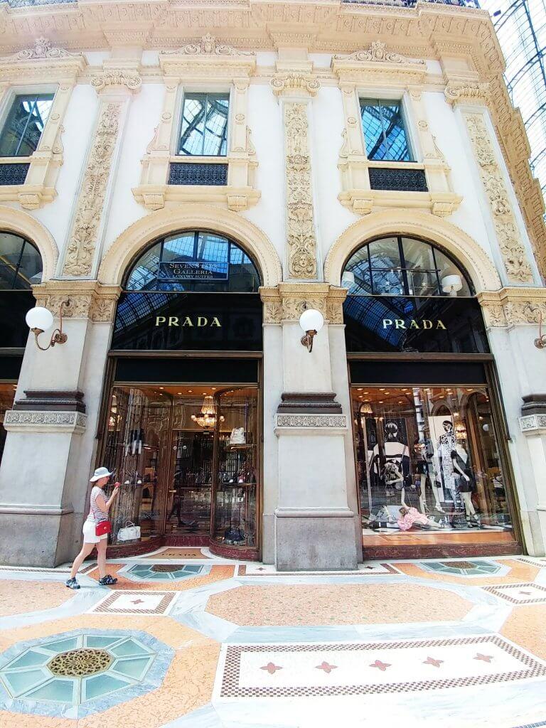 galleria vittorio emanuele milan Prada Shop