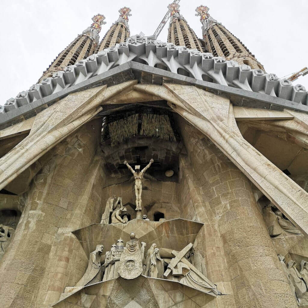 christ statues in sagrada familia