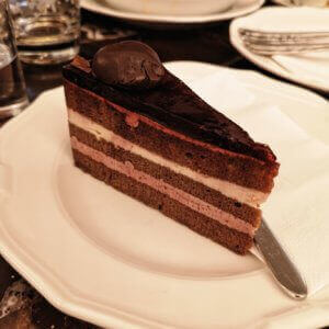 sacher torte with cherry